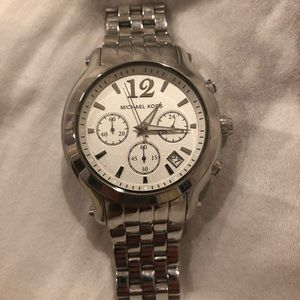 💎 Michael Kors everyday watch silver like new